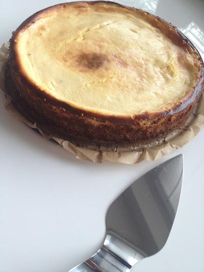 De Cheesecake met witte chocolade is klaar