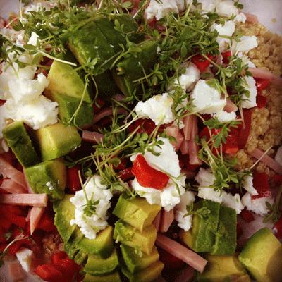 Maaltijd-tijdens-insanity-salade-met-quinoa-en-avocado