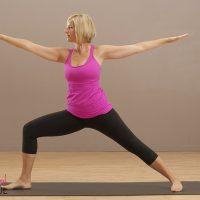 8 yoga moves om je dag mee te beginnen  feel magazine