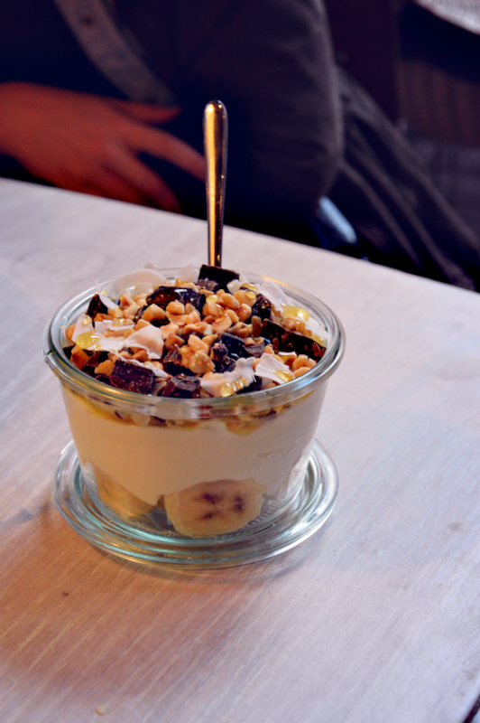 Yoghurt Barn superfood special choco caramba