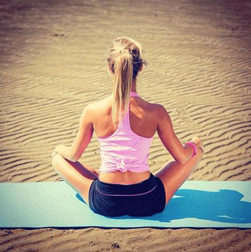 hannahpolites op Instagram yoga