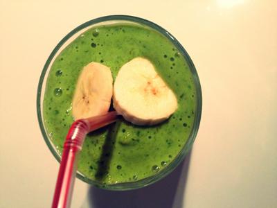 Green Halloween smoothie met pompoen en banaan