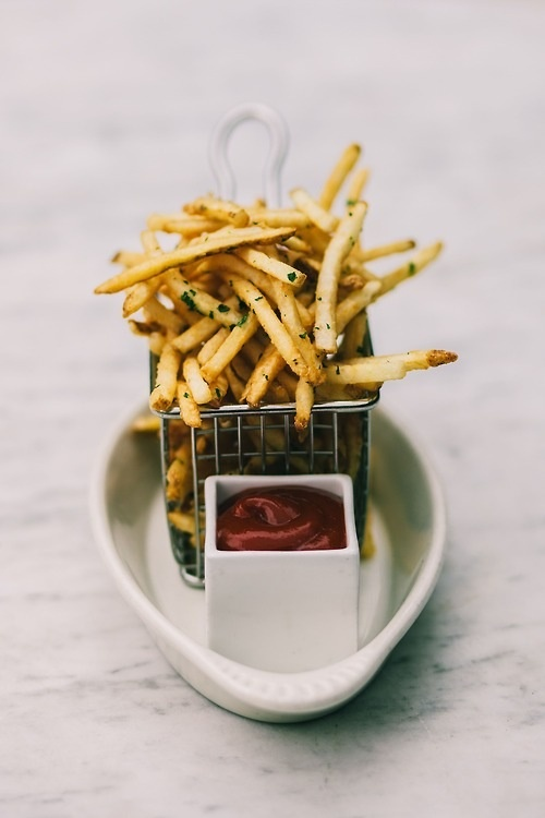 Food Friday friet en ketchup