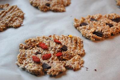 havermout koekjes met gojibessen en chocolade