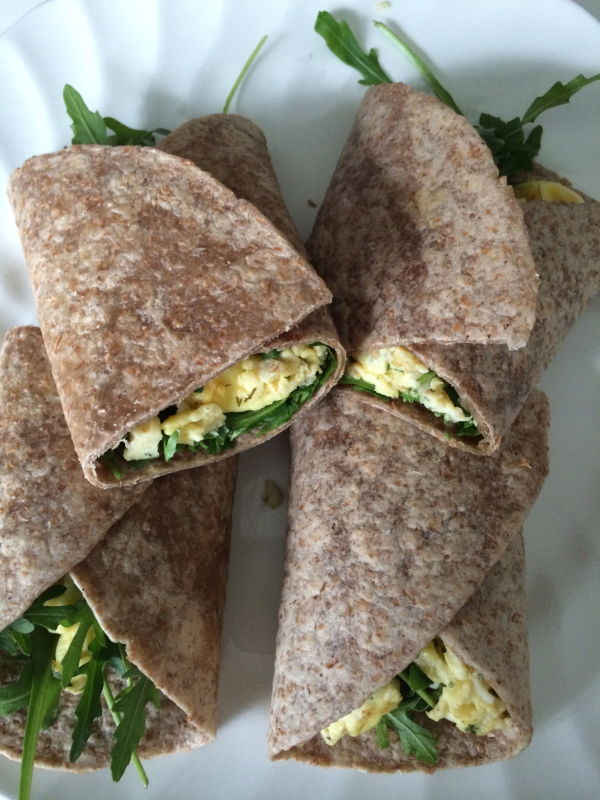 Feel Magazine eetdagboek wrap met scrambled egg