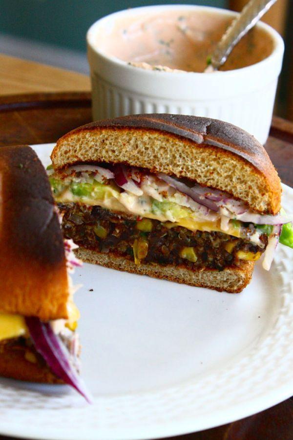 food friday hamburgers met bonen en zoete aardappel
