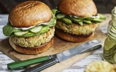 food friday hamburgers met tonijn en wasabi