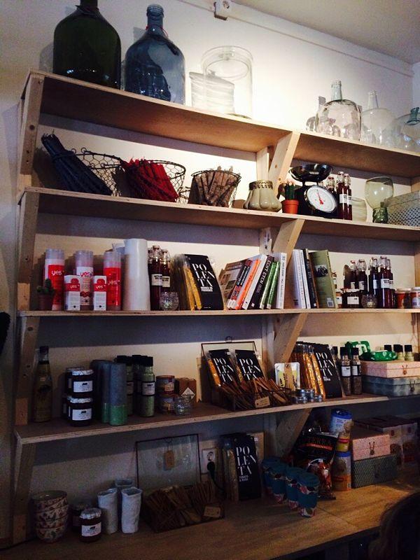 Amsterdam Lavinia Good Food boekenkast