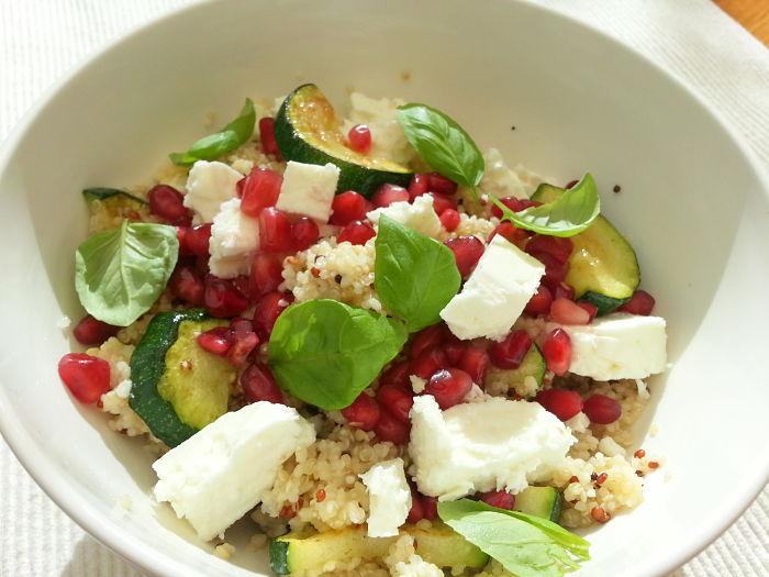recept quinoasalade met feta en courgette