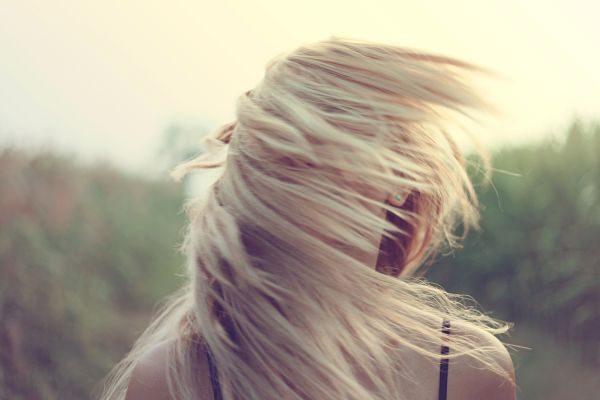Tien tips voor mooi haar zonder te föhnen | Feel Magazine